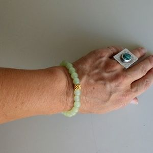 Jewelry - Faux jade bracelet elastic